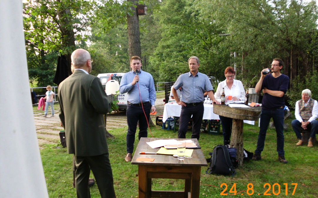Bundestagskandidaten bei den Jägern im Spreewald